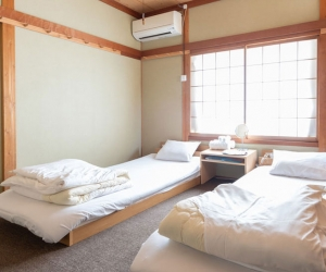 European style room (twin). Annex